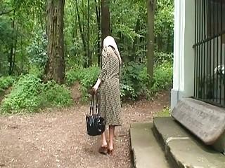 Кунилингус старушке видео