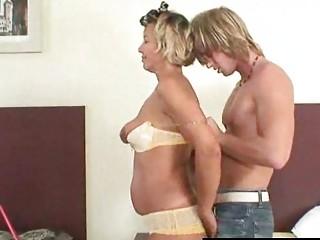 Эротическое видео зрелые дамы