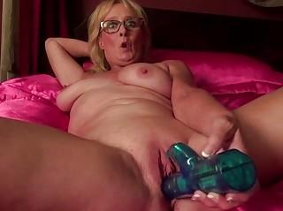 Смотреть порно зрелые киски
