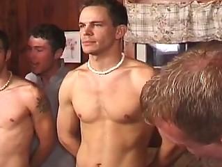 Видео гей с секс игрушками аналние пробки
