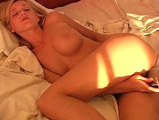 Мастурбация игрушка секс страпон
